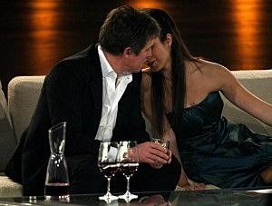 Hugh Grant and Stephanie Stumph flirt