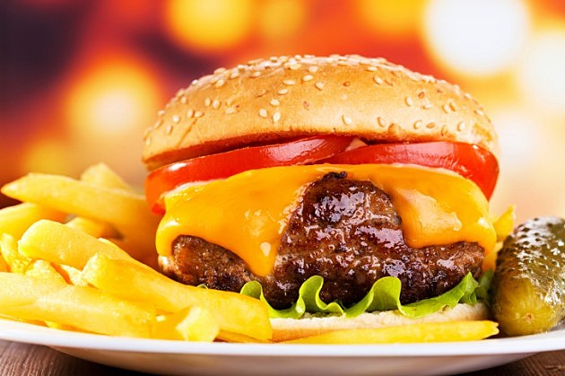 Recipe-Burger-with-Cheese-ThinkStock-630x419