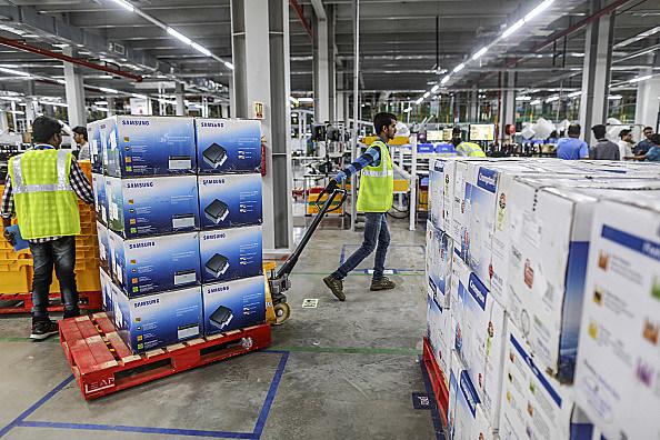 Inside Amazon.com's Biggest Fulfillment Centre in India